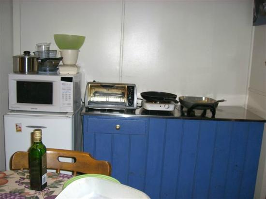 Platypus Playground Riverside Cottage : Worst Kitchen Ever