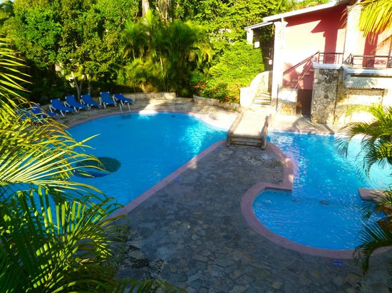 Talanquera Beach Resort: pools