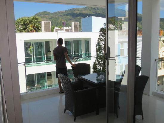 BYD Lofts Boutique Hotel & Serviced Apartments: Deck