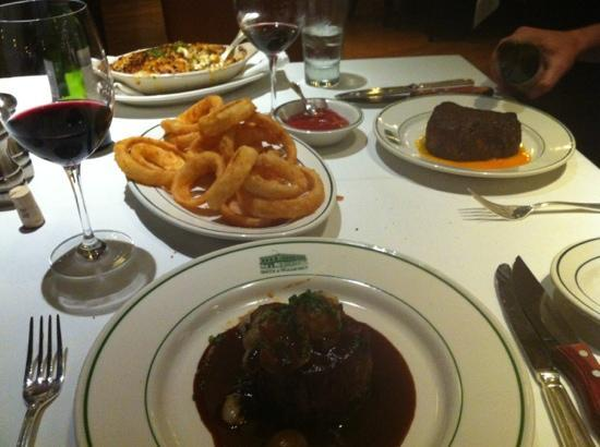 Smith & Wollensky - Boston Atlantic Wharf: our awesome meal