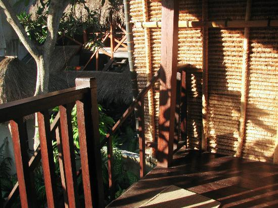 Adi Bungalow: The steps down our hut