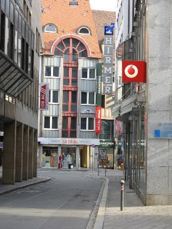Hotel Avenue: dettaglio fronte hotel