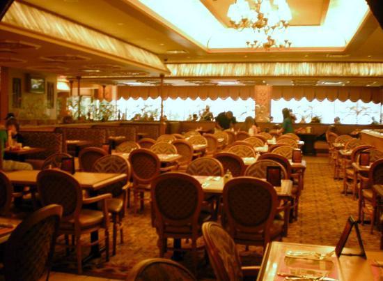 Golden Nugget Buffet : Good atmosphere