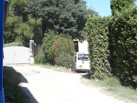 Mas de Grasset : Vehicules agricoles au bout du chemin du gite