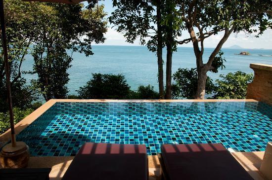 Crown Lanta Resort & Spa: Our private pool room