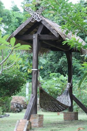 Mai Siam Resort: Hamak dans le jardin