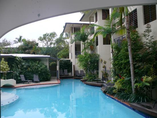 Meridian Port Douglas: Pool area