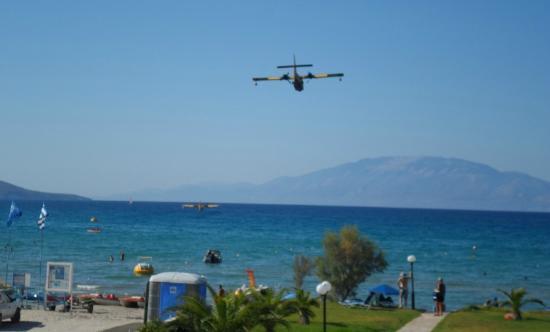 Alykanas Village Hotel: Sea plane coming over our room