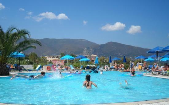 Alykanas Village Hotel: Top pool by the beach.