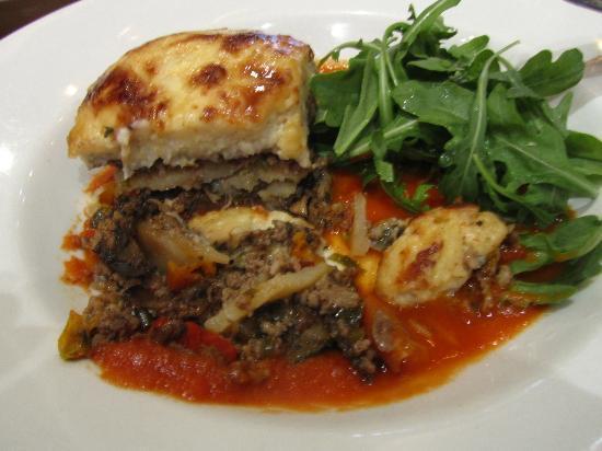 Gallipoli Bistro : Meat moussaka