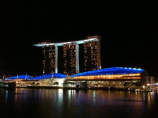 The Fullerton Bay Hotel Singapore : the view from my balcony