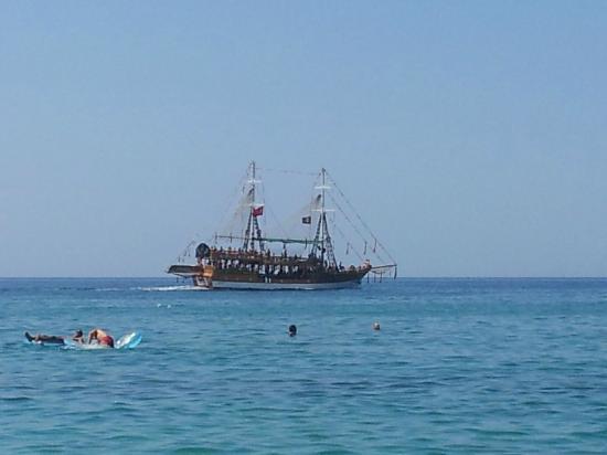 Kleopatra Beach: Pirat skib