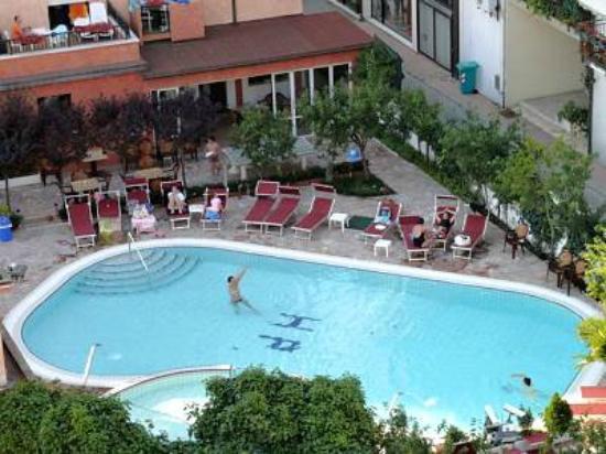 Hotel Piccadilly : piscina interna