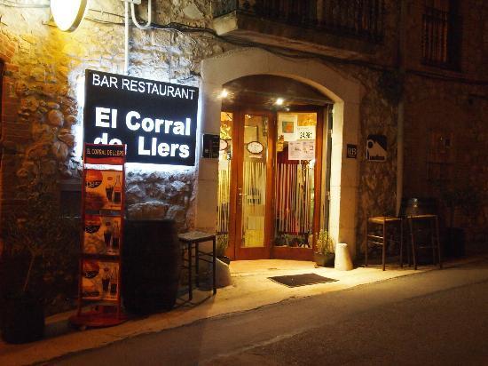El Corral de Llers: entrada exterior