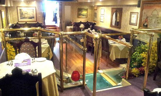 Jahangir Balti & Tandoori Restaurant: Interior