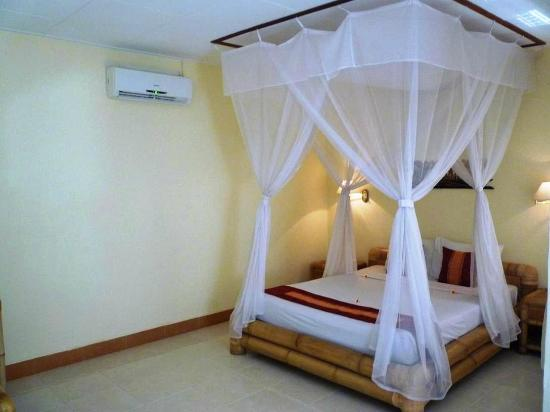 Aneka Lovina Villas & Spa : room