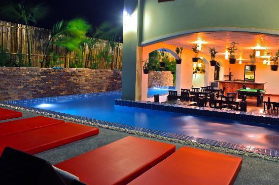 بوتيك كامبو هوتل: Swimming Pool