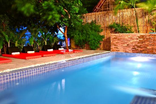 Boutique Cambo Hotel: Swimming Pool Lounge