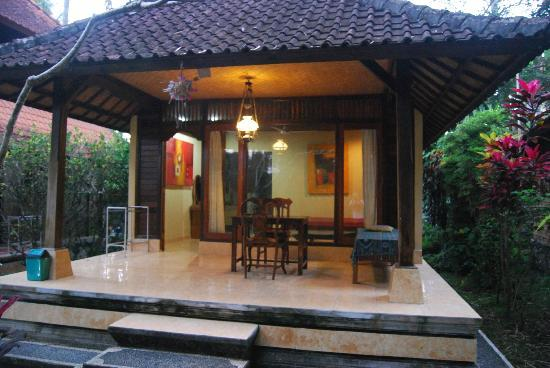 Abangan Bungalow: bungalow vu du jardin