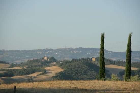 Agriturismo Fattoria di Statiano: Uitzicht vanuit de tuin