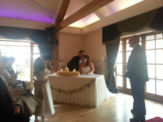 Newtown House Hotel: Signing the register in the venue