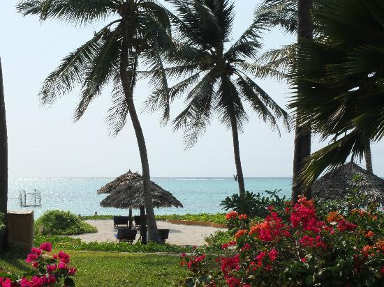 Breezes Beach Club & Spa, Zanzibar: Pool area