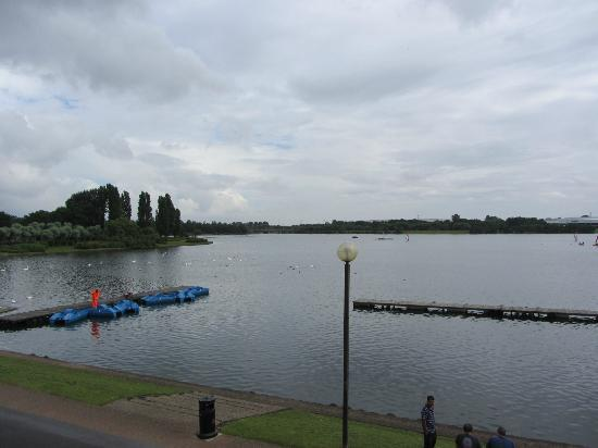 Premier Inn Milton Keynes East (Willen Lake) Hotel: view from our room