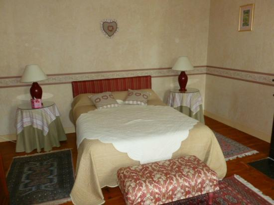 Maison d'hotes Le Roulage: Our Lovely Room