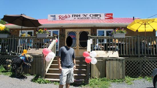 Front view fotograf a de rick 39 s fish chips saint for Rick s fish and pet