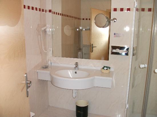 Hotel Eberle: bagno della camera