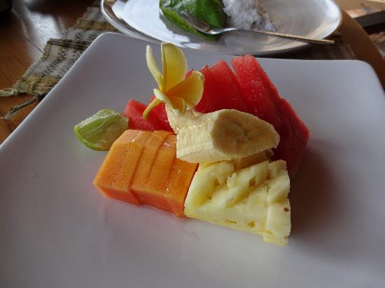 Bali Moon: Fruit is served every day with breakfast