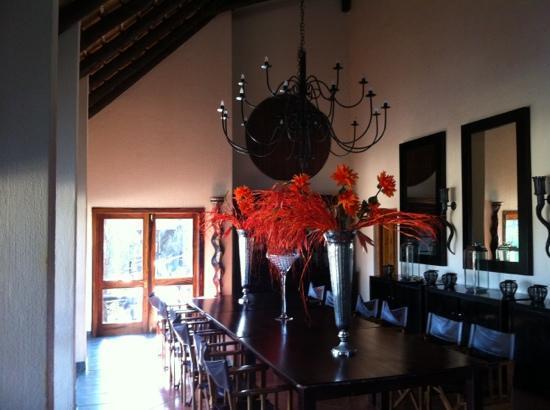 كونام لودج: dinner room