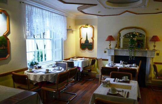 Leeson Bridge Guesthouse: Breakfast Room