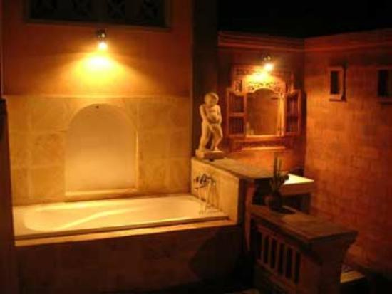 Bali Moon: Bathroom in one of the other rooms