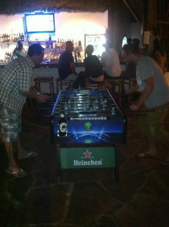 Yibba Yabba Sports Bar & Diner: Fooz ball for beer's !!!