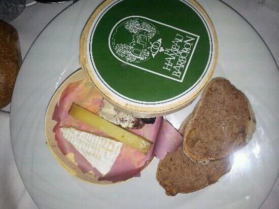 Le Hameau du Barboron: la boite a fromage