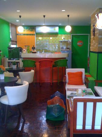 The Hangout Cafe' : Inside The Hangout Cafe