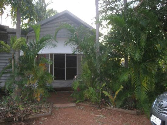 Anbinik Kakadu Resort: Cute cabin