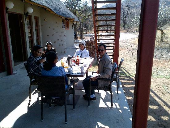 Pilanesberg Private Lodge: outside patio