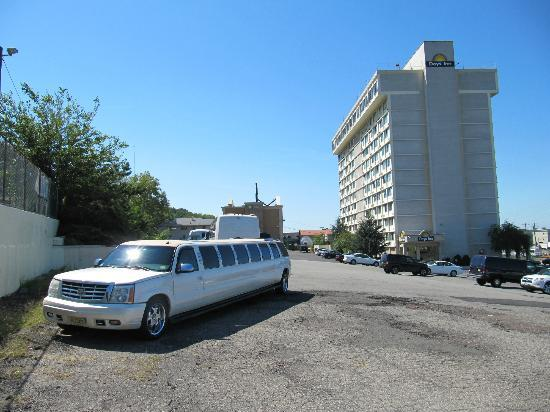Meadowlands View Hotel: Hotelparkplatz