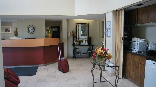 Comfort Inn Magnetic Hill: Reception area