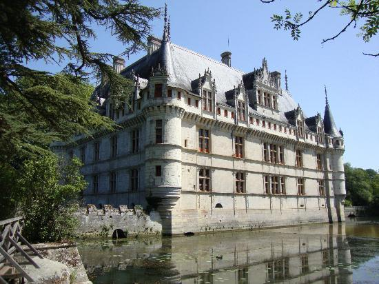 le ch teau de face picture of chateau of azay le rideau. Black Bedroom Furniture Sets. Home Design Ideas