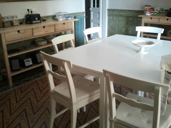 Plaza Catalunya Guest House: Comedor