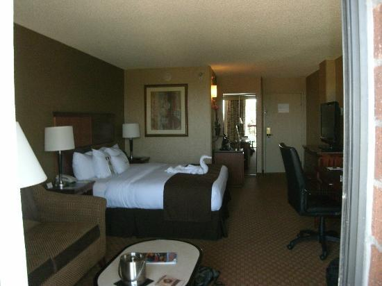 Doubletree by Hilton Hotel Denver Tech: A large spacious room.