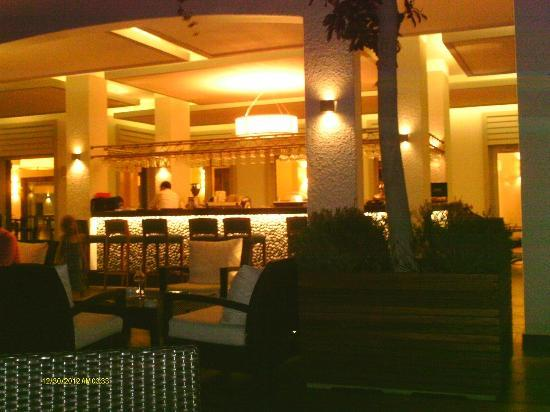Xanadu Island Hotel: Rosebud Bar