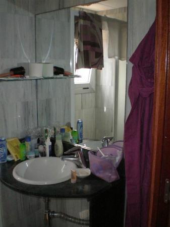 SM Hotels Turissa: Bagno