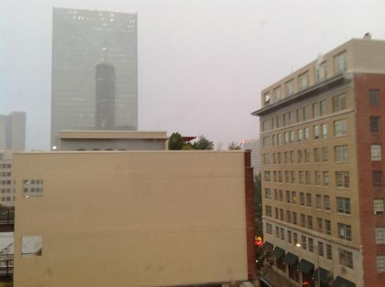 Hampton Inn & Suites Atlanta - Downtown: 6th floor facing south