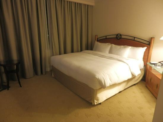 Park Hyatt Toronto: ふかふかのベッドでした
