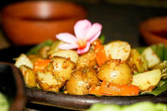 Coco Beach: Garlic and rosemary potatoes