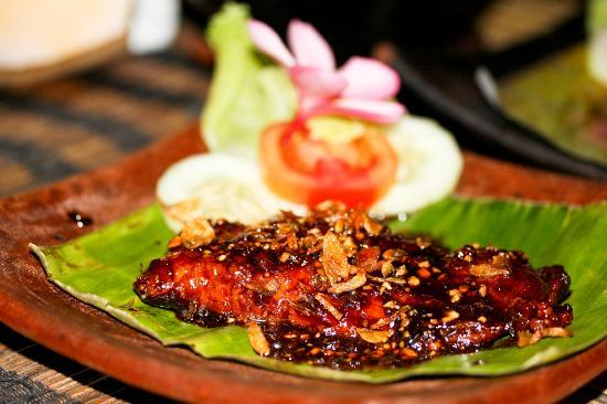 Coco Beach: Fish with soya and peanut butter